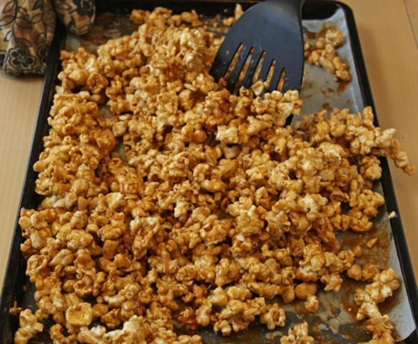 cashew-caramel-popcorn-recipe-13.jpg