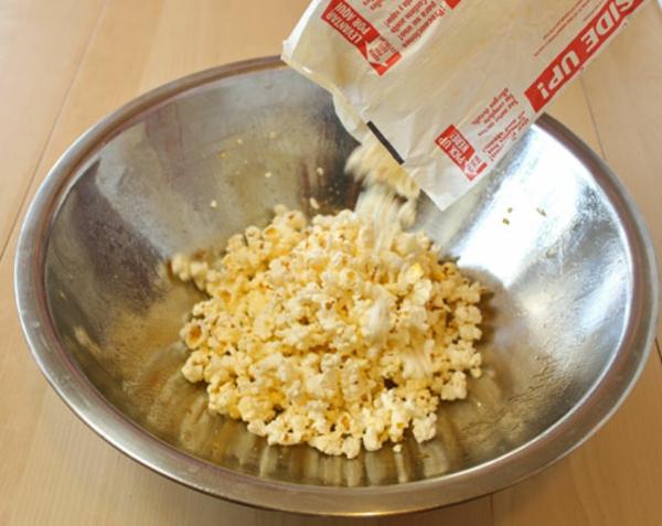 cashew-caramel-popcorn-recipe-6.jpg