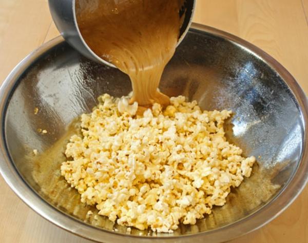 cashew-caramel-popcorn-recipe-9.jpg