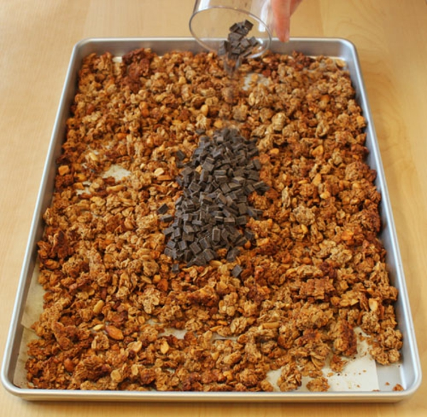 chocolate-peanut-butter-granola-recipe-12.jpg