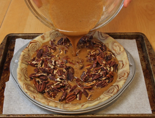 cinnamon-bun-pecan-pie-recipe-16.jpg