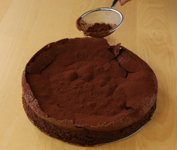 flourless-chocolate-cake-17.jpg
