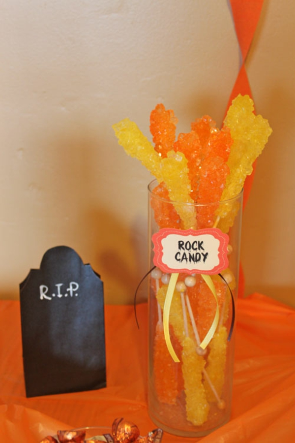 halloween-candy-buffet