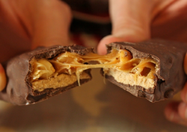 How to Make Homemade Candy Bars