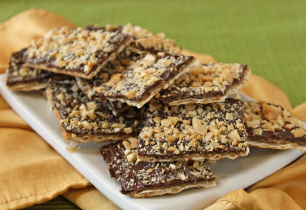 ... Passover-ready dessert for you: Passover Chocolate Toffee Matzah