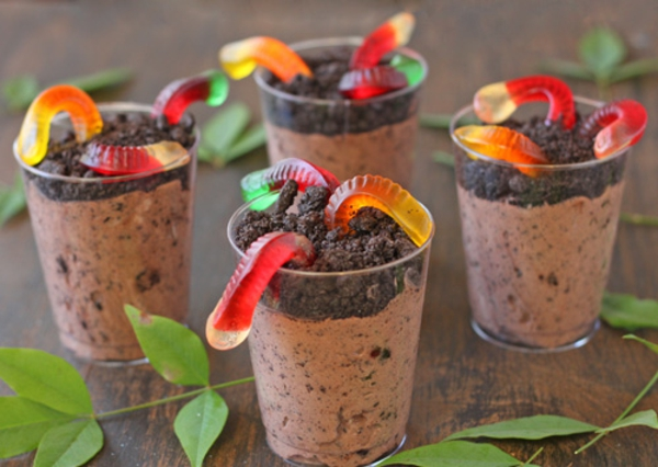 worms-in-dirt-pudding-cups-recipe-11.jpg
