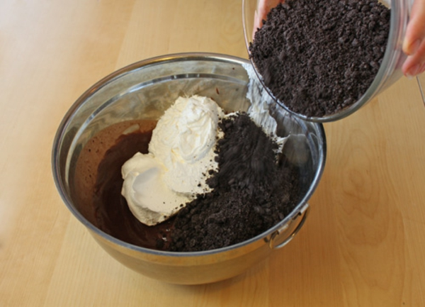 worms-in-dirt-pudding-cups-recipe-6.jpg