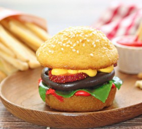 Hamburger Cupcakes and Cookie French Fries