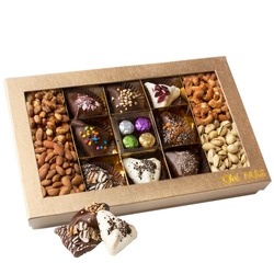 15 Sectional Purim Hamantaschen & Truffles Gift Box