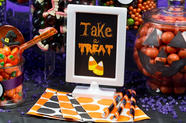 halloween candy buffet oh nuts. Black Bedroom Furniture Sets. Home Design Ideas