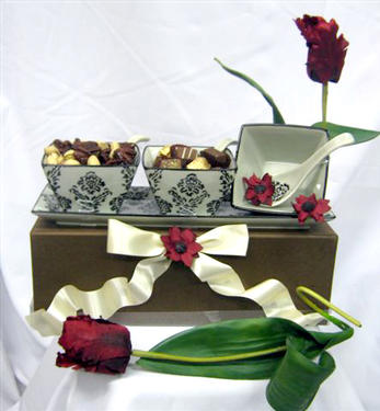 3-Section Milk Chocolate & Nut Gift