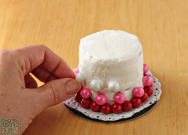 Easy Valentine's Day Mini Cakes | OhNuts.com
