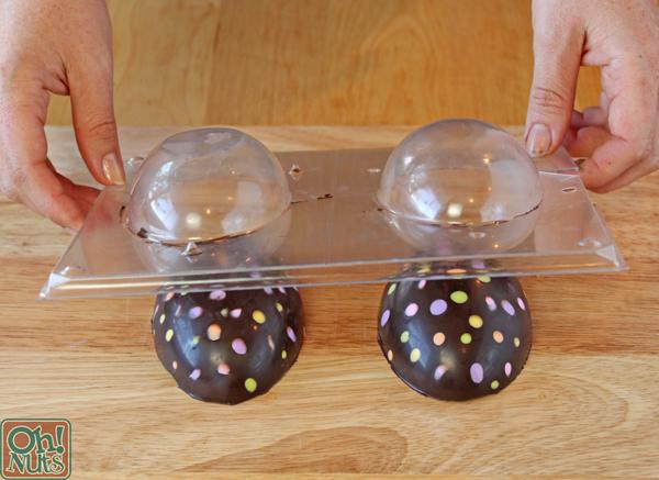 Ovos de Páscoa de chocolate recheados de brownie |  OhNuts.com