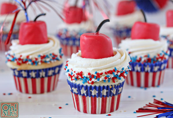 Firecracker Cupcakes for the Fourth of July | Oh Nuts Blog