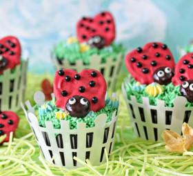 Pretzel Ladybugs