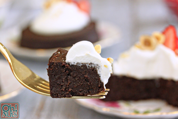 Flourless Chocolate Hazelnut Cakes| From OhNuts.com